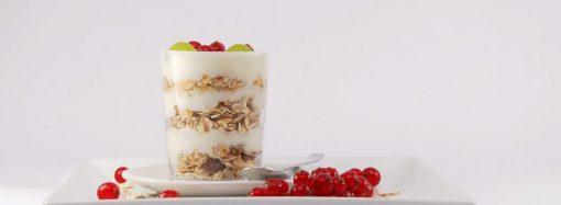 Z czym jeść jogurt naturalny?