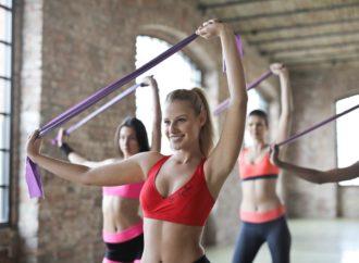 Taśmy do ćwiczeń – jak je wybrać i jak z nimi ćwiczyć?